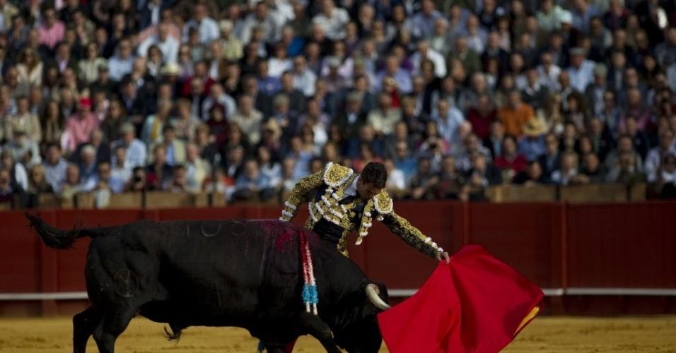 Toureiro espanhol, Jose Maria Manzanares, realiza apresentação em evento de Sevilha, Espanha