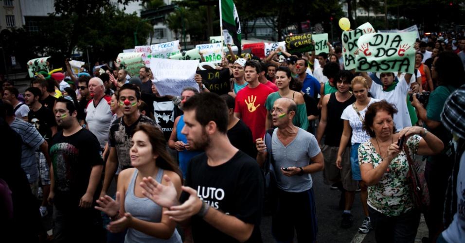 Cariocas participaram da Marcha contra a Corrupção, no Rio de Janeiro