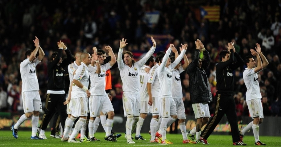 Jogadores do Real Madrid comemoraram muito a vitória sobre o Barcelona, que deixou o time bem próximo do título