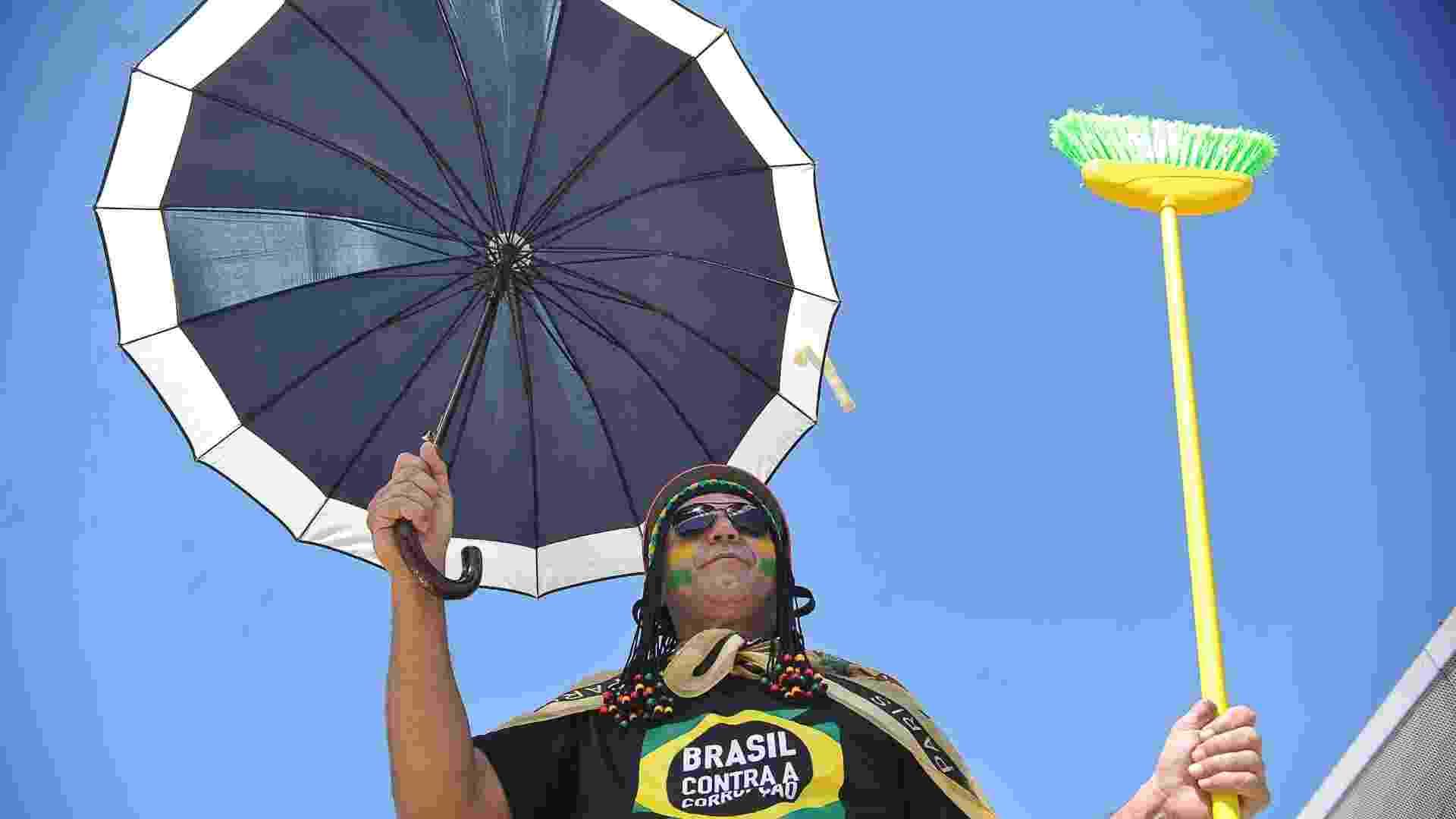 O Movimento Brasil Contra a Corrupção, grupo apartidário, realiza Marcha Contra a Corrupção em Brasília - Antonio Cruz/Agência Brasil