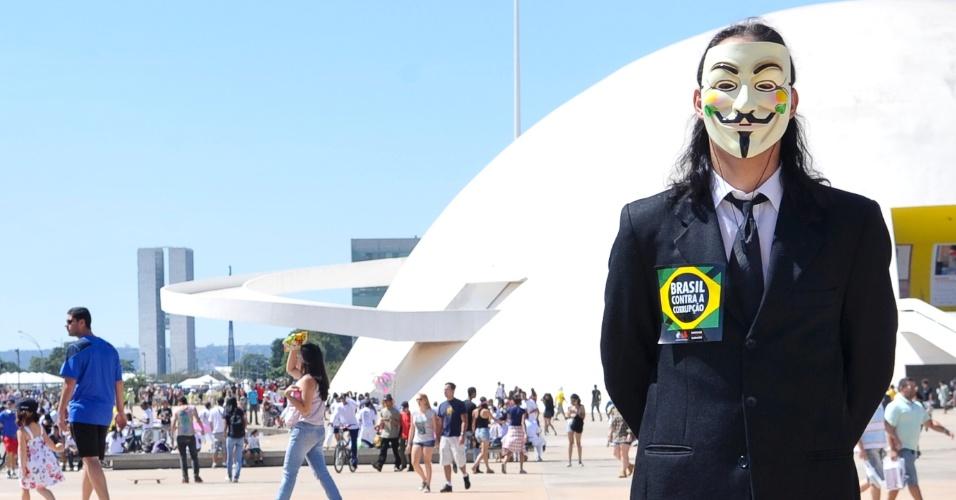 O Movimento Brasil Contra a Corrupção, grupo apartidário, realiza Marcha Contra a Corrupção em Brasília