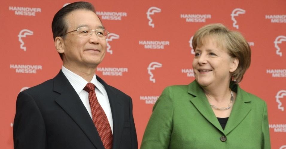 Chanceler alemã, Angela Merkel, e o premiê da China, Web Jiabao, participam da cerimônia de abertura da feira industrial de Hanover, na Alemanha