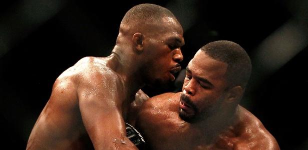 Jones consolou Rashad Evans - Getty Images