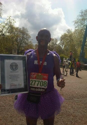 Parabéns a Martin Hulbert, que participou da Maratona de Londres e ganhou o recorde de pessoa mais rápida fantasiada de fada, em 2h49m44s