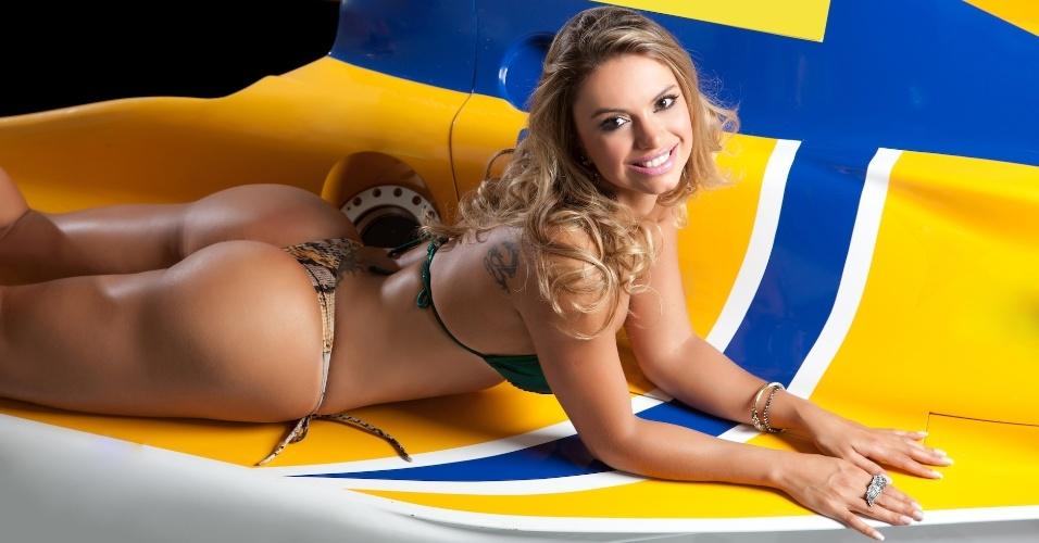 A modelo Anna Carvalho está na briga para ser a Gata da Fórmula Indy no Brasil