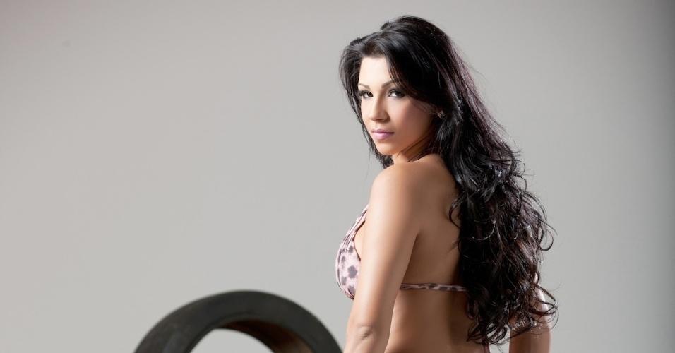 Jennifer Feraccine, cantora de funk, está no concurso que terá a final nos dias 28 e 29 de abril, durante a corrida de Fórmula Indy em São Paulo