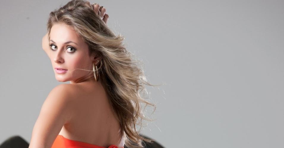 Karolin Kogut está entre as candidatas ao concurso que escolherá a Gata da Fórmula Indy no Brasil