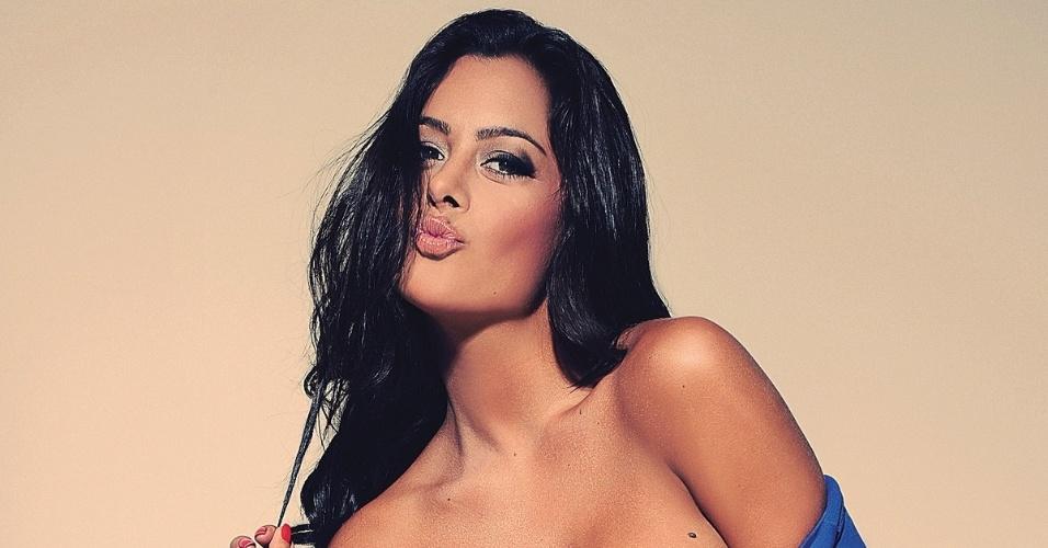 Larissa Riquelme faz ensaio para a revista Sexy