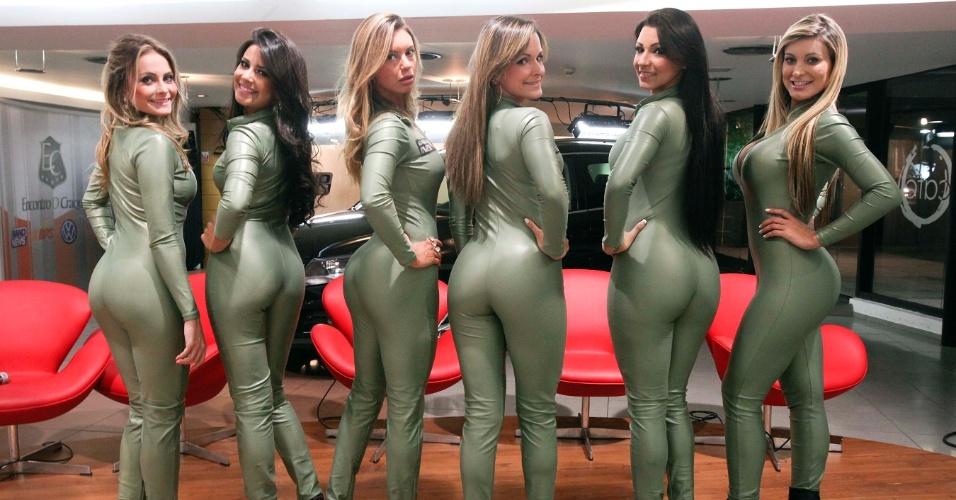 Candidatas a gata da Fórmula Indy durante visita ao Bandsports