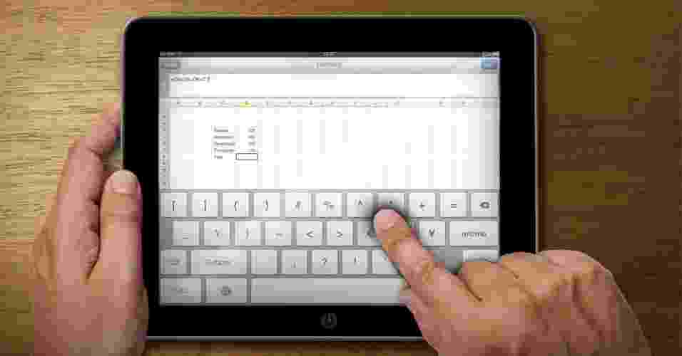 Chamada para galeria sobre excel -- editores de planilha -- no tablet - Arte UOL