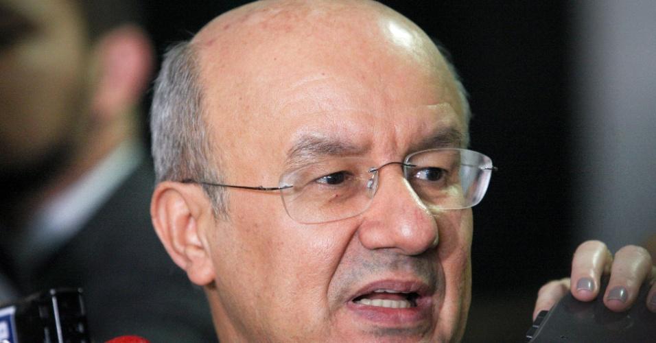 José Pimentel (PT-CE), ex-ministro da Previdência, está em seu primeiro mandato como senador. É líder do governo no Congresso e é integrante da CPI