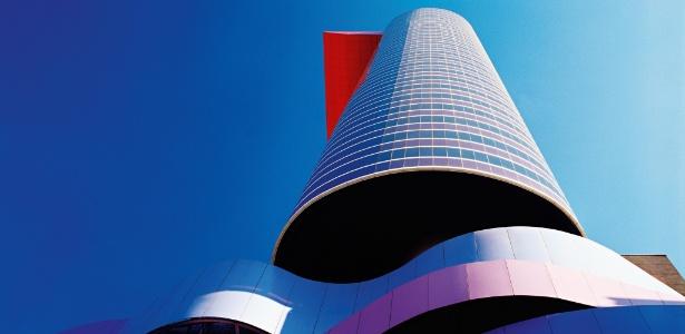 """O prédio do Instituto Thomie Othake, projetado por Ruy Ohtake, faz parte do livro """"Arquitetura Brasileira"""" - Divulgação"""