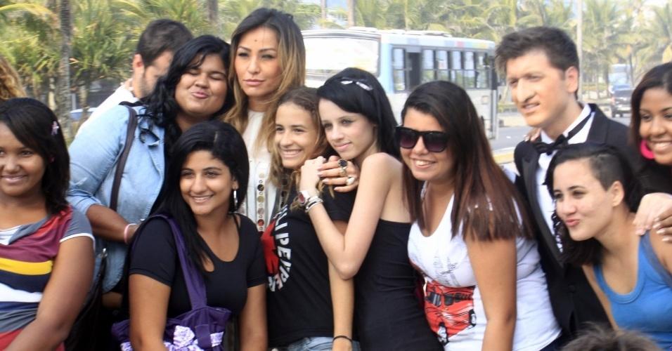 "Sabrina Sato e Daniel Zukerman gravam ""Pânico na Band"" na praia Barra da Tijuca, zona oeste do Rio (24/4/12)"