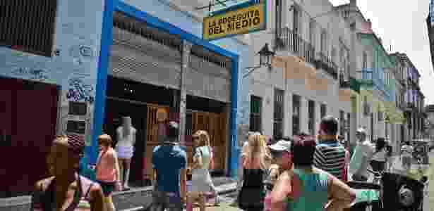 Turistas visitam a famosa Bodeguita del Medio, um bar em Havana (Cuba) - Adalberto Roque/AFP - Adalberto Roque/AFP