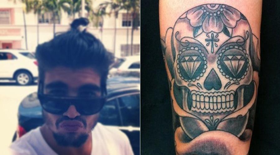 Caio Castro mostra nova tatuagem, uma caveira (23/4/12)
