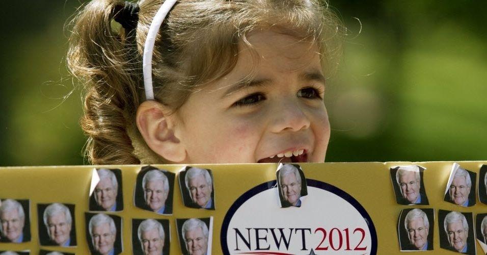 24.abr.2012 - Catalina Salas, 4, participa de evento que conta com a presença do pré-candidato republicano, Newt Gingrich, em Charlotte, Carolina do Norte