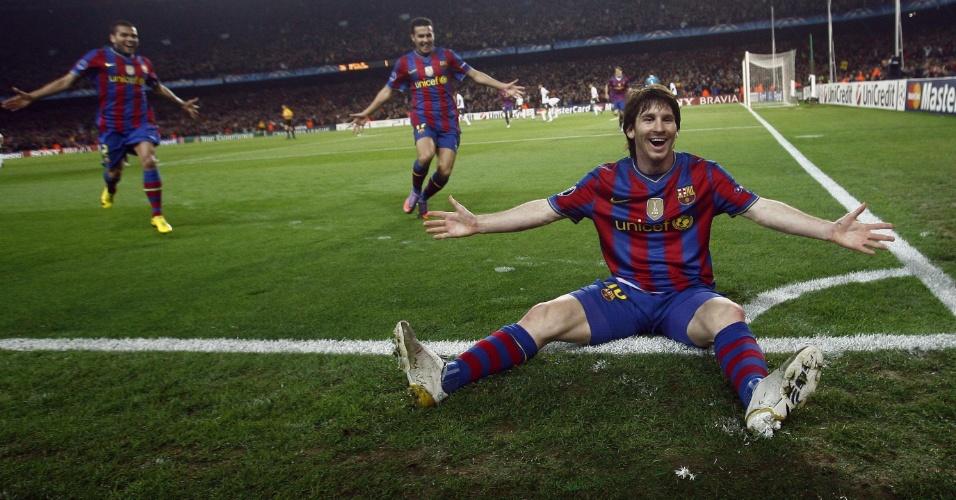 Lionel Messi comemora um de seus quatro gols contra o Arsenal pela Liga dos Campeões de 2010