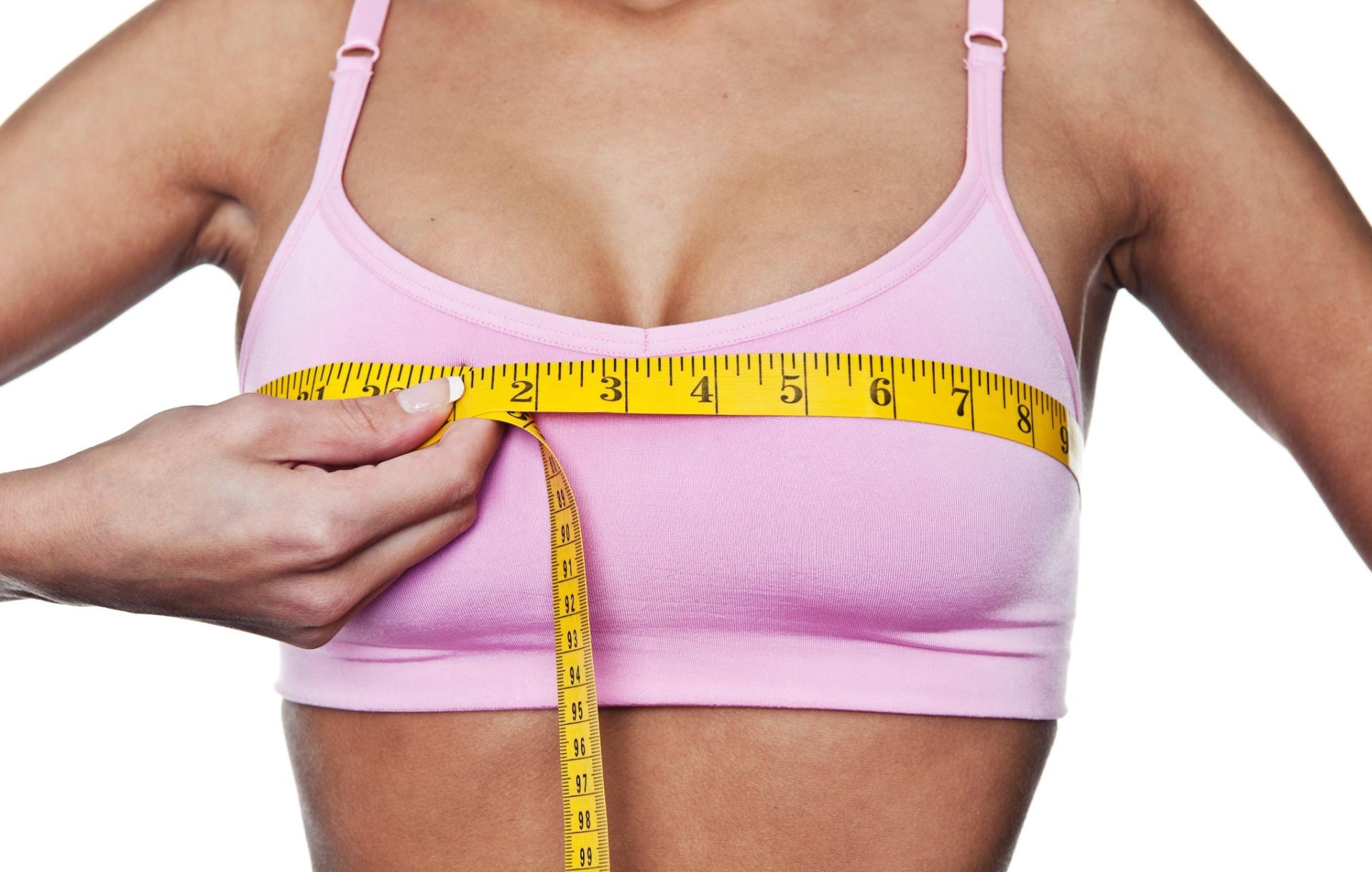70659257c Vai colocar prótese de silicone nos seios  Veja conselhos para quem está  planejando a cirurgia - 30 04 2012 - UOL Universa