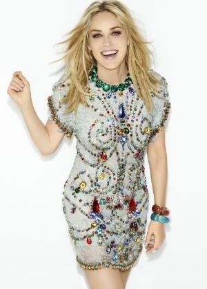 """Sharon Stone é capa da """"Vogue"""" de maio"""