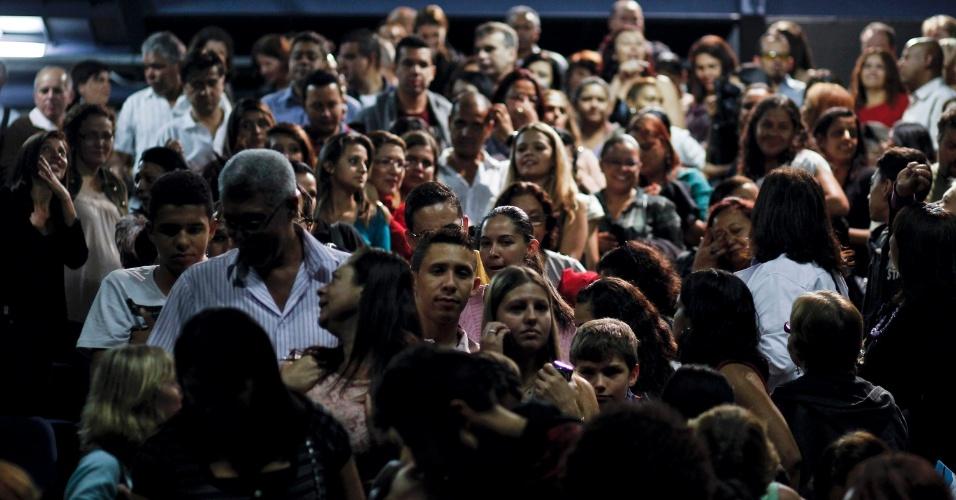 Cerca de 500 pessoas estiveram no CEU Vila Curuça, em São Paulo, para assistir ao espetáculo