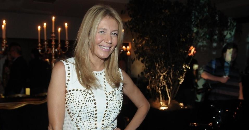 """Donata Meirelles, diretora de estilo da """"Vogue"""", na festa de aniversário da revista """"Vogue"""" Brasil, na Casa Petra, no Ibirapuera em São Paulo (25/4/12)"""