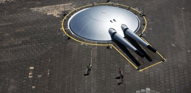 Foto aérea de um dos canhões do Forte de Copacabana