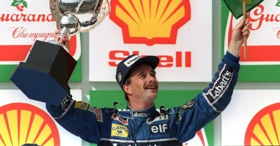Nigel Mansel, piloto inglês campeão mundial de Fórmula 1 em 1992 e da Fórmula Indy em 1993
