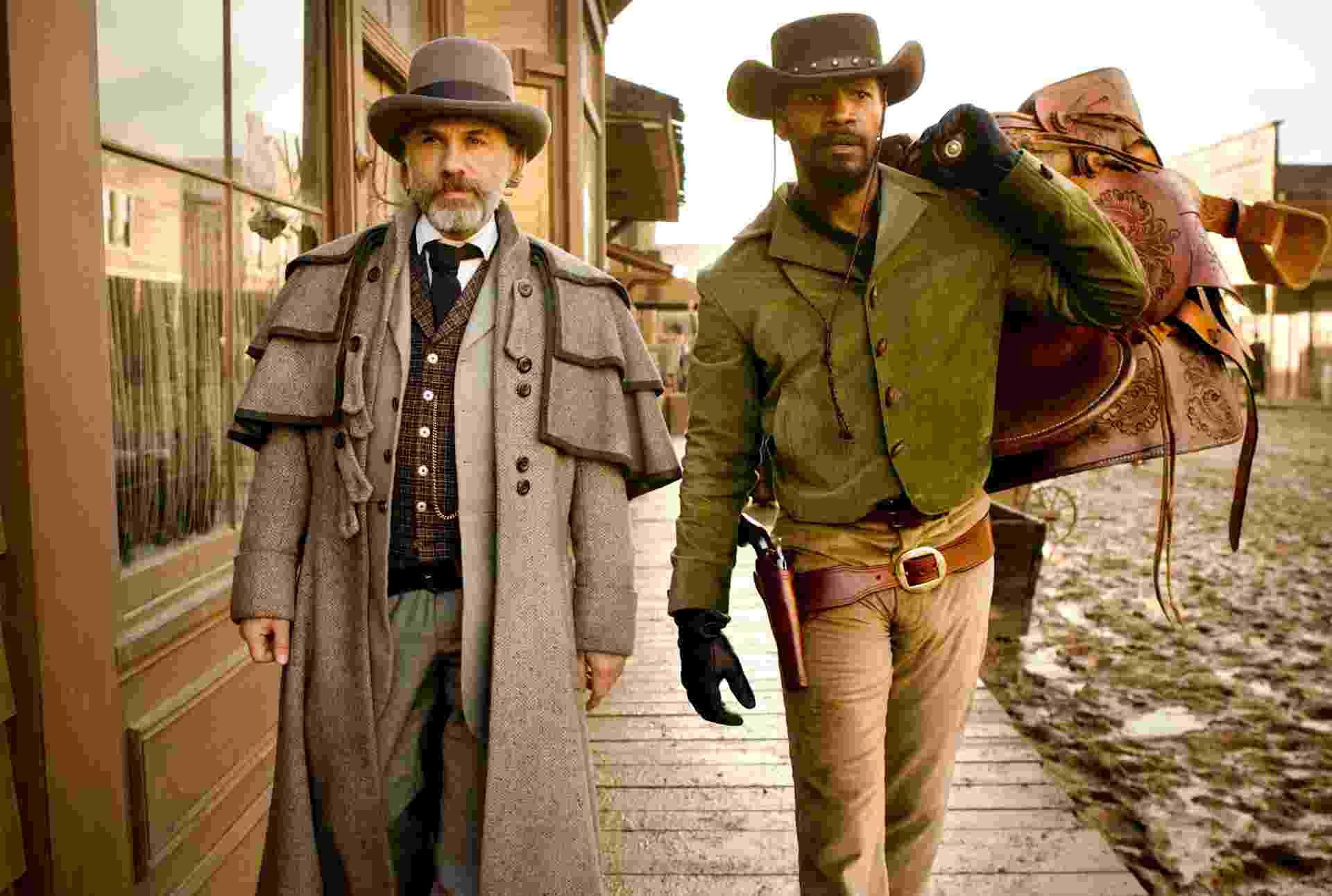 """O caçador de recompensas alemão dr. King Schultz (Christoph Waltz) e o escravo Django (Jamie Foxx) em cena de """"Django Livre"""", de Quentin Tarantino - Divulgação/Sony Pictures"""
