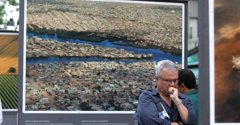 O fotógrafo francês Yann Arthus-Bertrand expõe à céu aberto 130 imagens aéreas tiradas em diversas partes do mundo