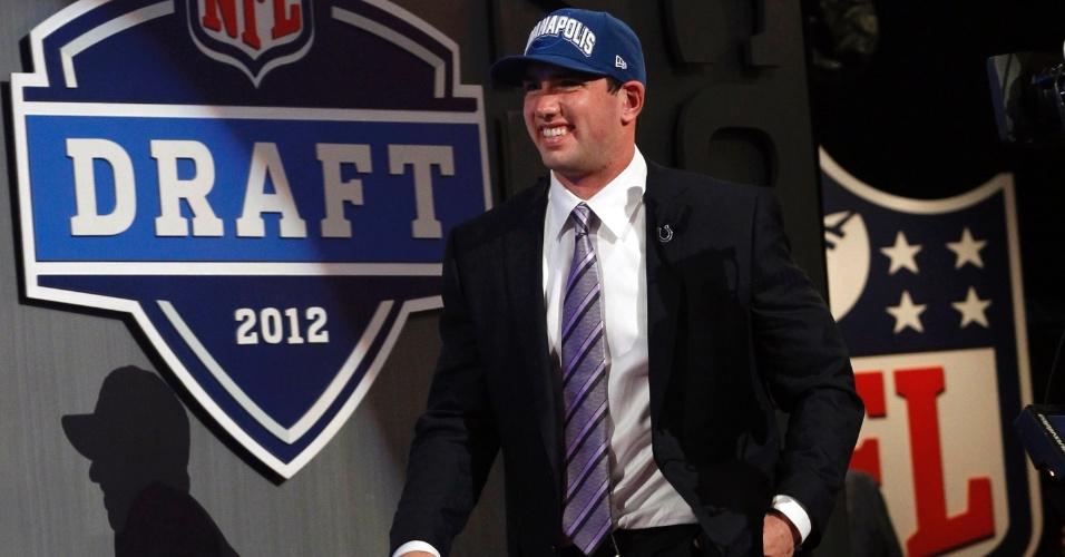 O quarterback Andrew Luck, primeira escolha do draft 2012, selecionado pelo Indianapolis Colts