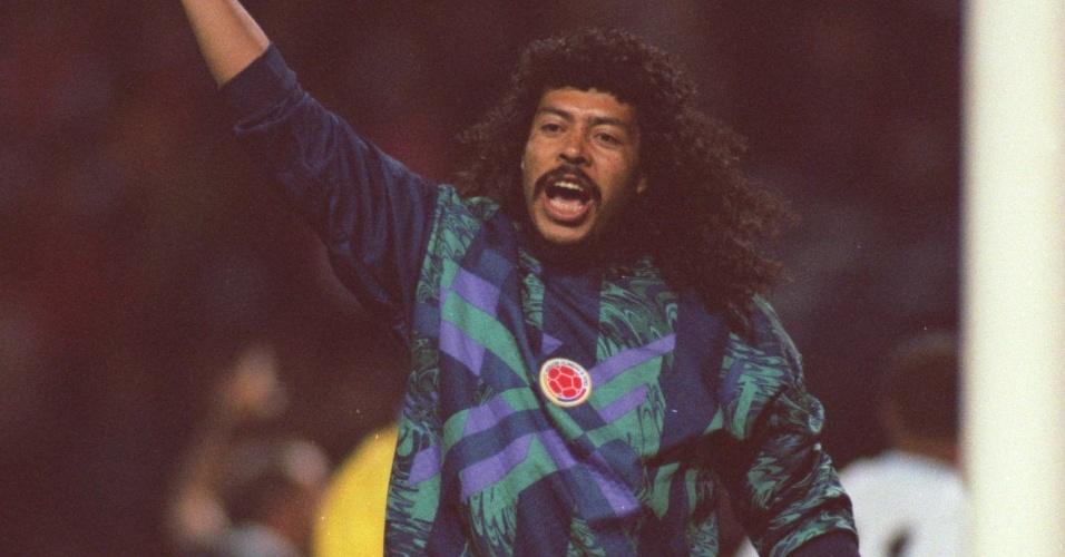 René Higuita, extravagante goleiro que marcou época na seleção colombiana