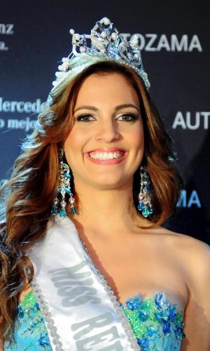 Ricardo RojasDulcita Lieggi é coroada Miss República Dominicana, em Santo Domingo