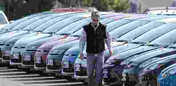 Carros novos da Ford em revenda nos EUA: companhia pega turbulência na Europa - AFP