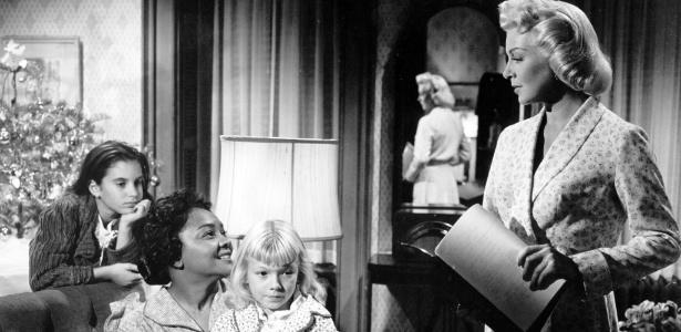 """Cena de """"Imitação da Vida"""" (1959), com Lana Turner (à direita)"""