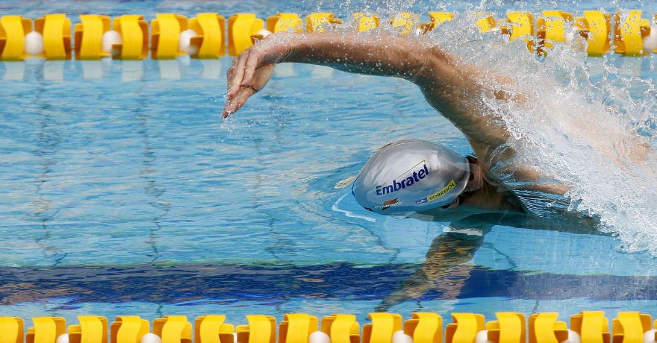 Cesar Cielo em ação na prova dos 100 m livre no Troféu Maria Lenk