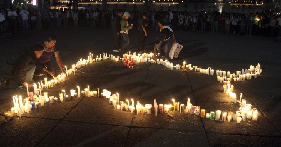 Dezenas de pessoas participam de protesto contra as touradas na Cidade do México
