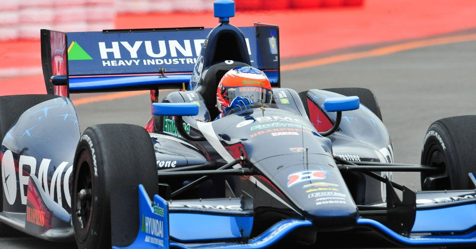 Rubens Barrichello participa do primeiro treino livre no Anhembi