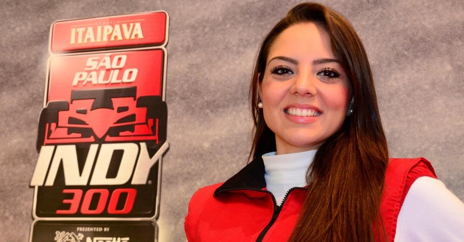 Bela morena trabalhou nos camarotes da etapa de São Paulo da Fórmula Indy