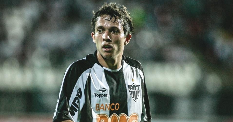 Bernard durante a vitória do Atlético-MG sobre o Tupi por 1 a 0 (28/4/2012)