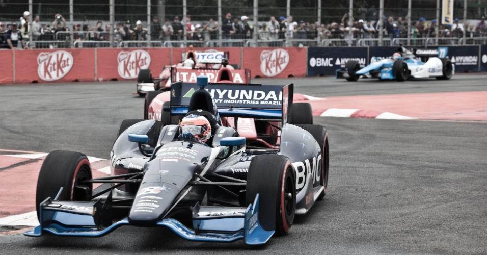 Rubens Barrichello contorna o S do Samba durante a etapa de São Paulo da Indy