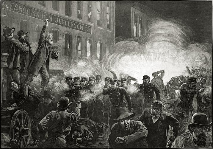 Para começar, houve o massacre de Haymarket, numa greve geral dos trabalhadores de Chicago em 1º de maio de 1866 e que terminou em violenta repressão policial. O episódio motivou a criação do dia mundial do trabalho, como homenagem aos mortos daquele conflito. Curiosamente, a data não pegou nos Estados Unidos, onde o dia do trabalho é comemorado no início de setembro.
