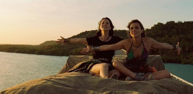 "Érika (Nathalia Dill, à esquerda) e Lara (Lívia de Bueno) no longa ""Paraísos Artificiais"""