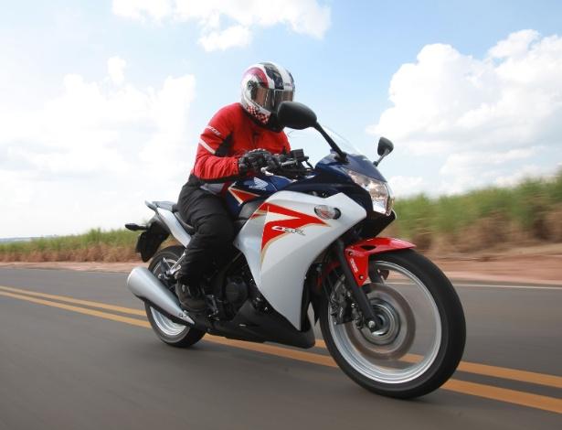Importada da Tailândia, nova Honda aumenta disputa entre esportivas de 250cc - Divulgação