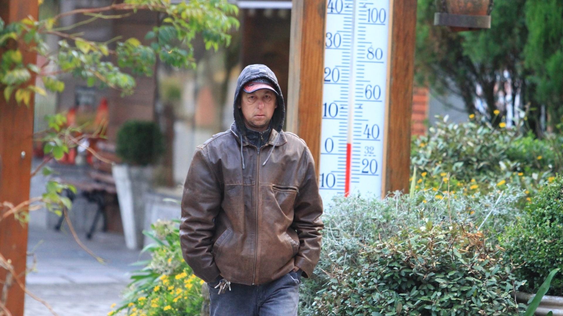 1.mai.2012 - Gramado (RS) e outras cidades do Sul registraram temperaturas baixas na madrugada desta terça-feira