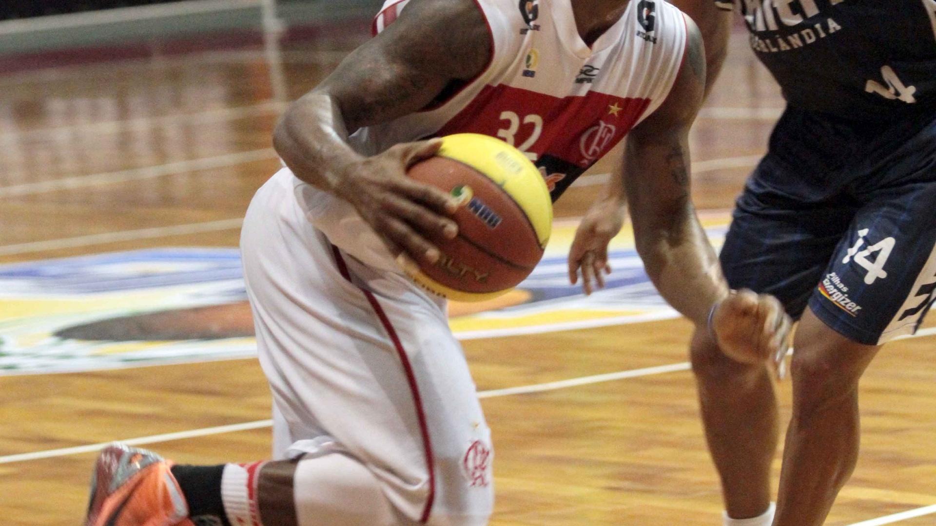 David Jackson foi o destaque do Flamengo na vitória sobre o Uberlândia