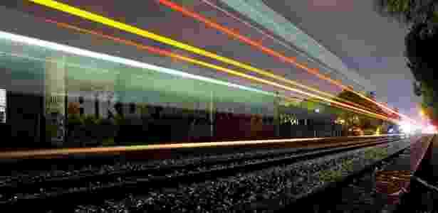 O fotógrafo de arte urbana Aaron Durand começou a fotografar trens porque muitos trilhos ficam perto de paredes cheias de grafite - Aaron Durand