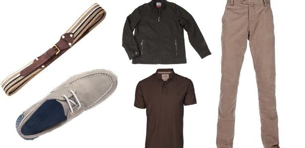 """Os cintos de lona ou cadarço são os que mais estão em evidência na moda e caíram no gosto da maioria dos homens. Eles combinam com calça de sarja ou jeans e camisa polo. Nos pés, prefira tênis tipo """"flat"""" (bem baixo) e mocassim  - Divulgação"""