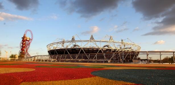 Estádio Olímpico de Londres recebe a cerimônia de abertura dos Jogos-2012