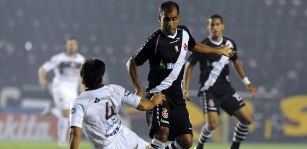 Felipe em ação pelo Vasco, já no fim da carreira. Ídolo se envolveu em campanha