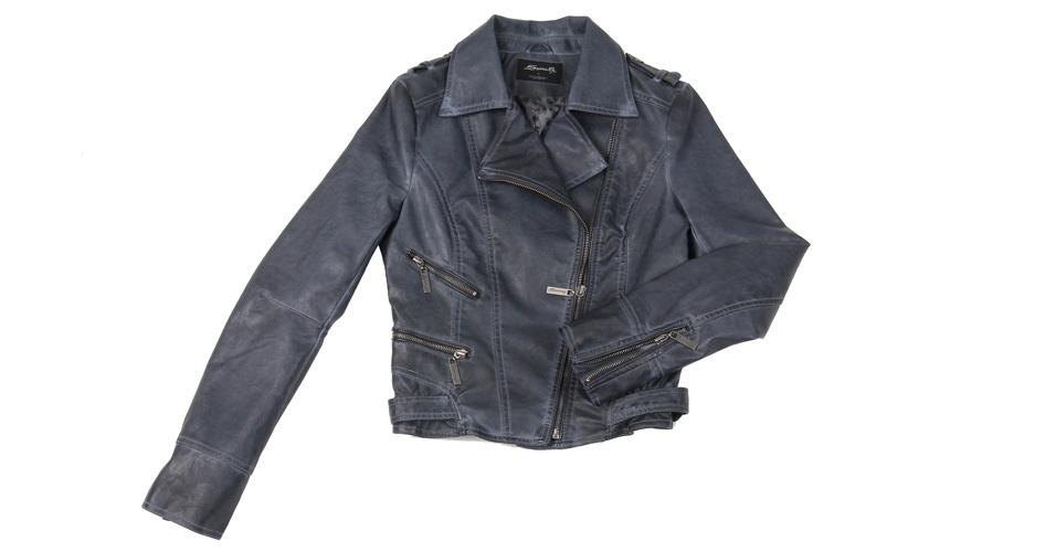 Jaqueta preta estilo perfecto em couro ecológico; R$ 200, na Sawary Jeans